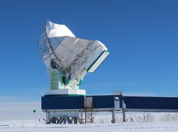 The 10-meter South Pole Telescope, at the National Science Foundation's Amundsen-Scott South Pole Station, joined the global Event Horizon Telescope array in January 2015.   <i>Courtesy of Dan Marrone, University of Arizona</i>