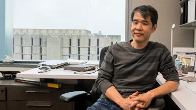 Wayne Hu has been selected to receive a Faculty Award for Excellence in Graduate Teaching and Mentoring