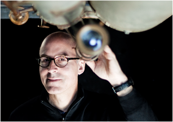 Josh Frieman, PhD'89, captures light from, and shines light on, the mysterious dark universe. (Photography by Drew Reynolds)